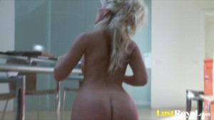 Fabulous Cindy Dollar masturbates with her tight buns