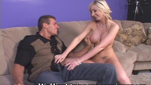 Hot Blonde Gives Older Guy Awesome Fuck