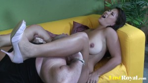 Chubby Alanna Ackerman enjoys some daddy love