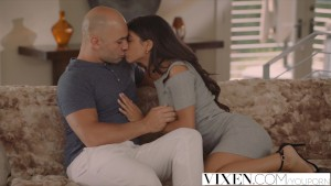 VIXEN Latina Veronica Rodriguez Seduced By Stepdad