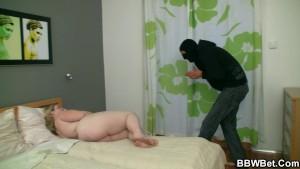 Horny burglar screws fat cunt