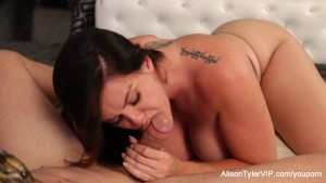 Alison Tyler gives a hot blowjob