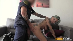 Fake Cop Rock chick fucks unif