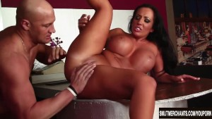 massive boobed brunette milf bangs and facial – Free Porn Video
