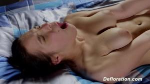 Defloration of Elza - first ti