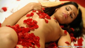 Indian Lady Strip Her Dress An