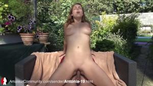 Teen Schlampe Antonia