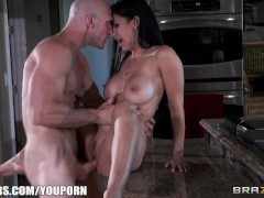 Army wife Isis Love gives her husband a welcome fuck session