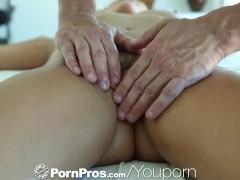 HD - PornPros Hot curvy woman gets a full body massage