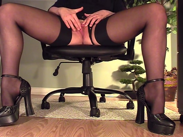 Milf showing her stuff under table