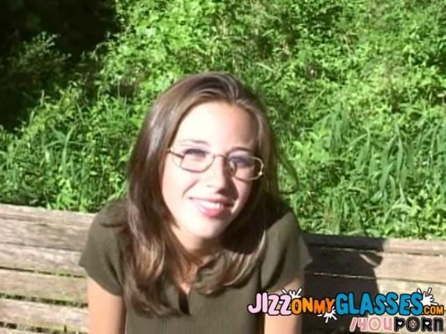danzen Outdoor fuck with glasses