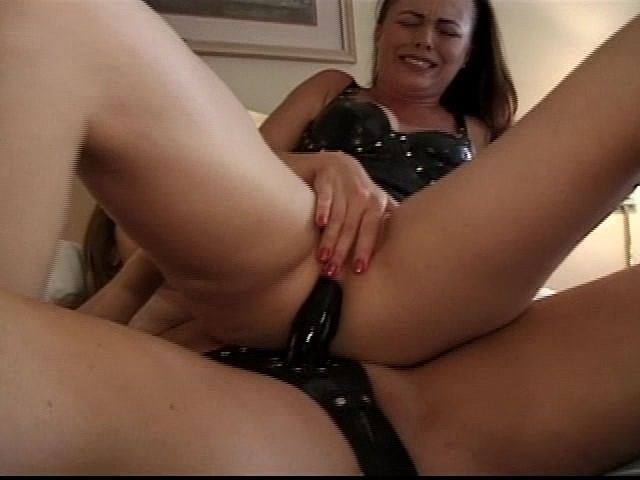 Sexually Agressive Milf Fucks Her Step Daughter With a Strap-On ...