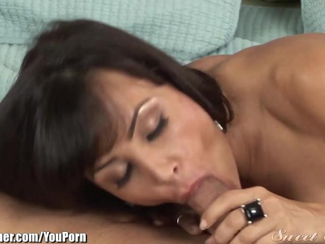 lisa-ann-fucks-her-daughters-boyfriend-porno