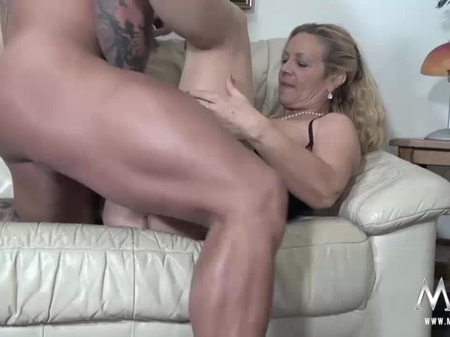 hooters girl gets fucked in first time adult video