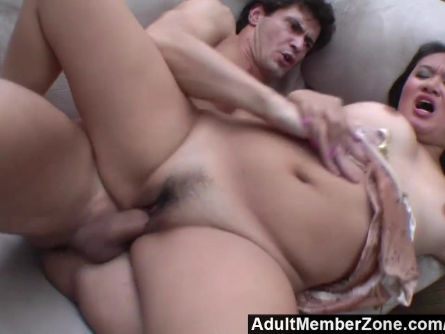He makes her squirt