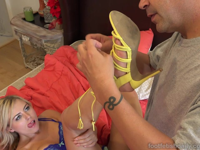 summer-day-loves-to-be-begged-for-a-footjob
