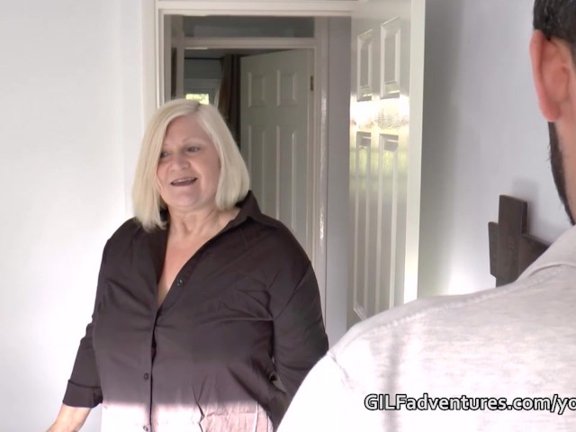 mature-insurance-seller-sex-with-younger-customer
