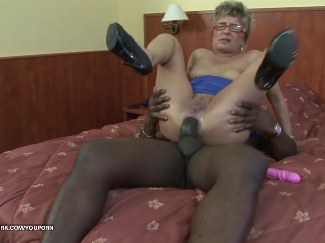 Ebony first time porn