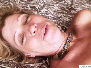 Milf rosetta sticks vibrator into hairy pussy