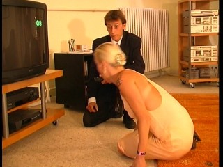 repairman-needs-blowjob-to-fix-tv