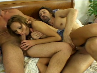 screamer-doubles-her-pleasure
