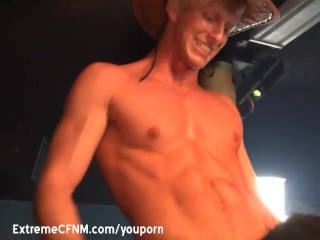 girls-suck-male-strippers-cock