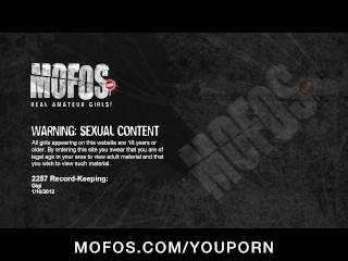 Ass girlfriend fucks in wet pussy...