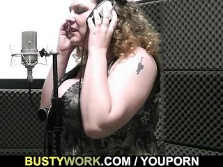 Sound engineer bangs bbw singer