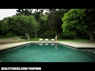 Staci silverstone teases her man for passionate sex by the pool