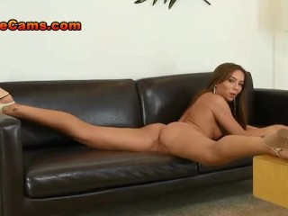 flexible-pornstar-capri-anderson-beautiful-pussy