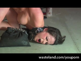 Daisy Duxe submissive suck it hard