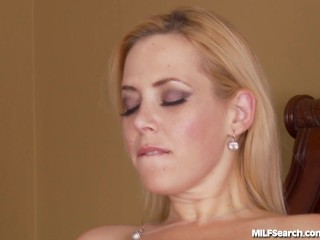 hot-mom-gets-picked-up-and-fucked