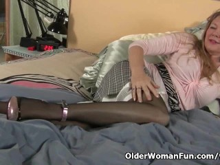 Pantyhose get mom's pussy hot and...