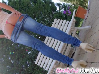 give-me-pink-solo-blonde-plays-with-both-holes