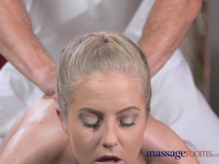 Massage rooms sexy toned blonde has her tiny...