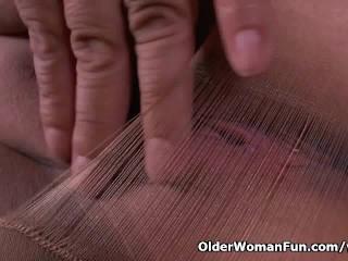Nylon gets mom s libido level skyrocketing