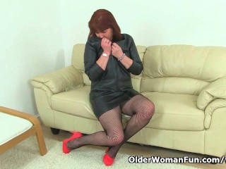 British Milf Janey And Plays With Her Hairy Pussy...