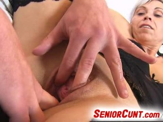 Vagina Spreader Opens Milf Beate Up Close Look Inside Old Pussy...