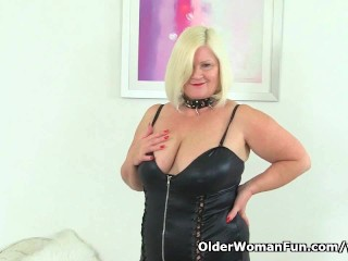 English granny Lacey Starr using her magic wand vibrator...