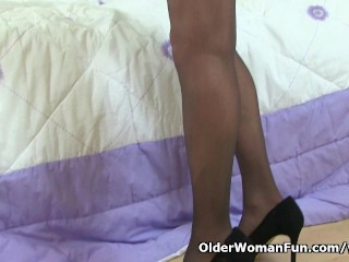 British milf Sexy P needs getting off in nylon tights