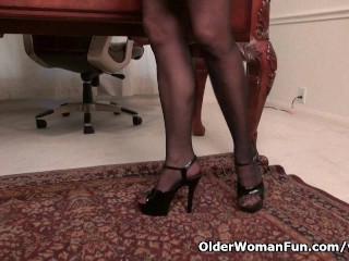 Office milf eva griffin gives a treat
