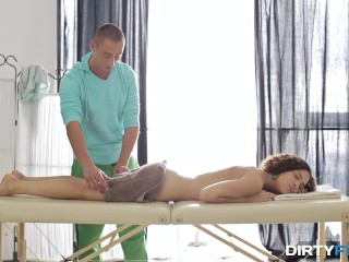 Dirty Flix - Loud orgasm on massage table