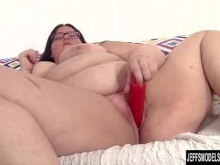 cock-hungry-bbw-becki-fucks-herself