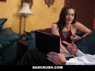 Dadcrush twerks for dad